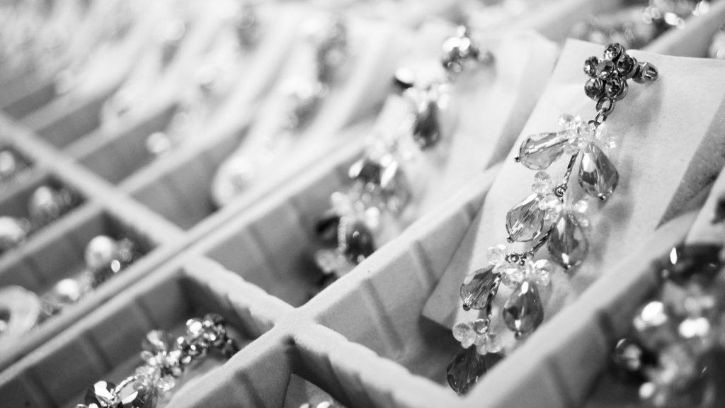 coffret à bijoux couleur argent